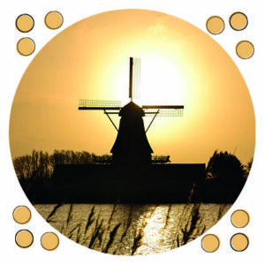ansichtkaart molen bij zonsopkomst